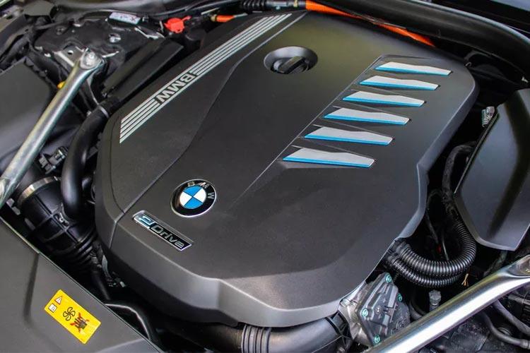 2020 BMW 745e xDrive iPerformance Engine